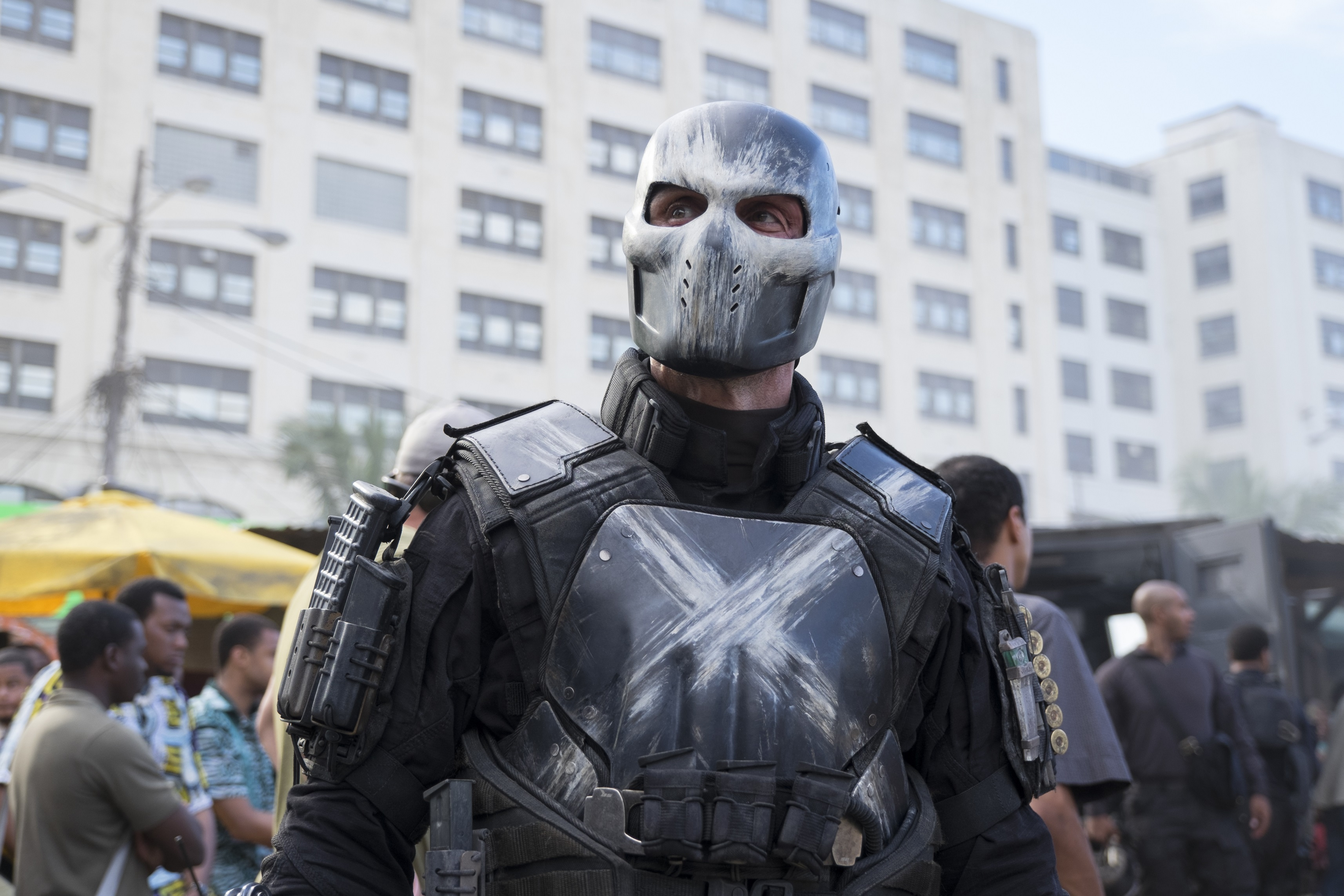 《復聯4》將現記憶閃回,弗蘭克·格裡羅再演《美隊3》宿敵交叉骨