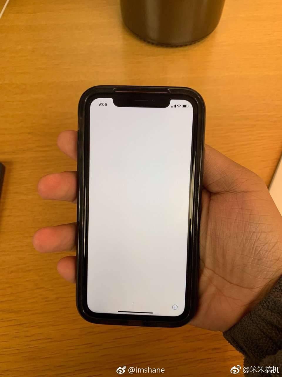 iphone xr边框有多宽? 戴上官方壳有点惊悚