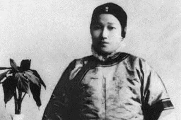 """倪桂珍,近代最强的""""辣妈"""",三个女儿国色天香,三个女婿赫赫有名"""
