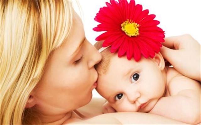 六個月不適合給寶寶斷奶,那什么時候最合適呢?