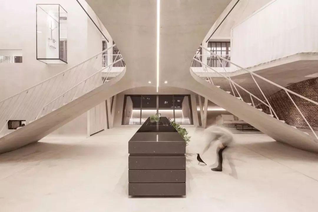 loft阁楼空间设计,现代极简前卫的典范!