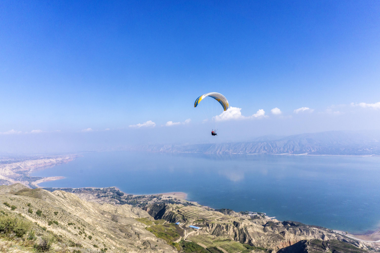我在黄河水岸等风来,记录蓝色黄河的飞翔时刻