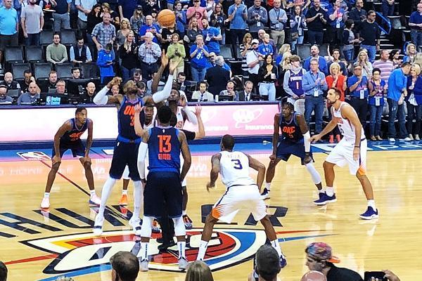 NBA常规赛:威少23+9+7乔治23分雷霆胜太阳取赛季首胜!