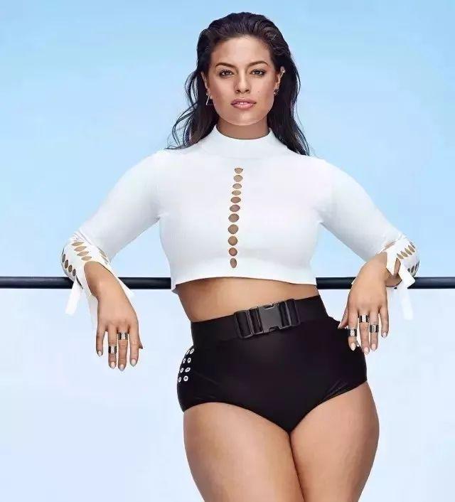 graham 体重近180斤 却是世界顶级杂志最炙手可热的封面模特之一 可是