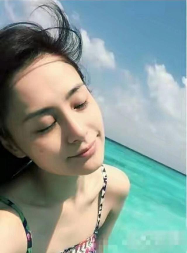女星同为素颜,赵丽颖老了10岁,杨颖,迪丽热巴保养得真好