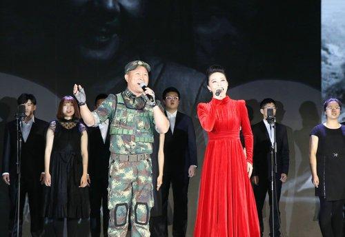 """金波:中国军迷论坛演唱""""军人的血性""""为晚会锦上添花"""