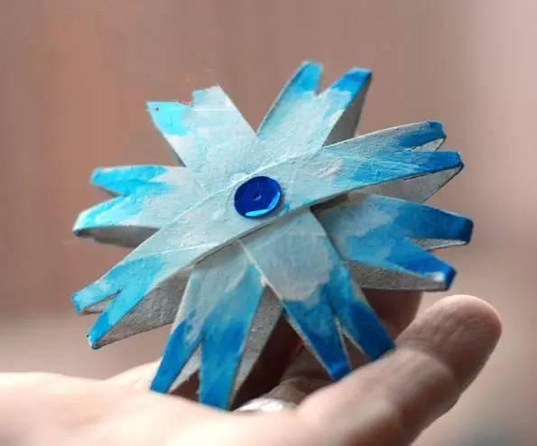 【雪花手工】最全最详细的幼儿园手工剪纸雪花大全