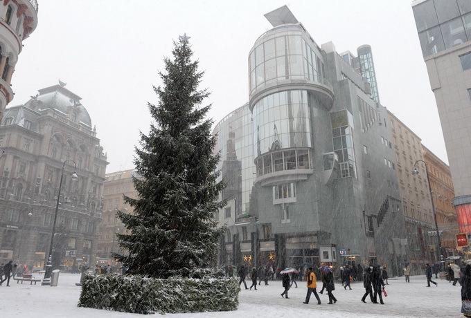 欧洲进入冬令时:多国与北京时差增加 为何说是最后一次?