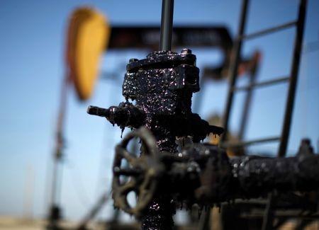 原油市场展望:美国对伊朗的制裁本周生效 密切