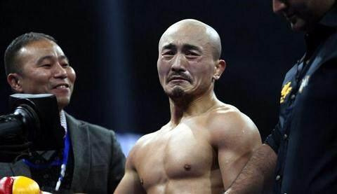 被36岁的杀玉狼两分钟KO,一龙挑战崔洪万撑过一分钟就值得称赞!