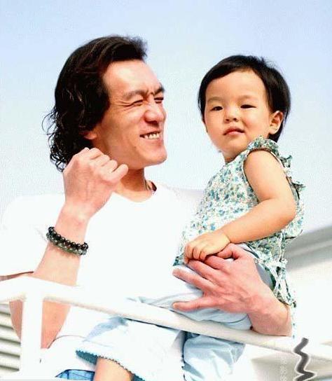 李詠:我更願像騎士一樣照顧女兒!這是我見過最偉大的父愛!
