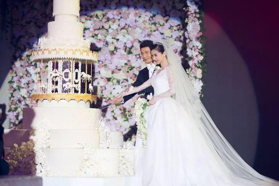 唐嫣罗晋婚礼现场曝光?让我们盘点一下那些年一起追过的明星婚礼