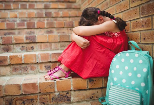 """""""幼儿园冷暴力""""比肢体暴力伤害更大,家长别不以为然"""