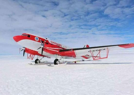 中国南极永久机场将开建 备选位置竟然是运动的冰盖