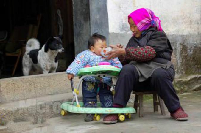 """外孙和""""亲孙""""为啥要区别对待?难道有区别?老农的话无奈又扎心"""