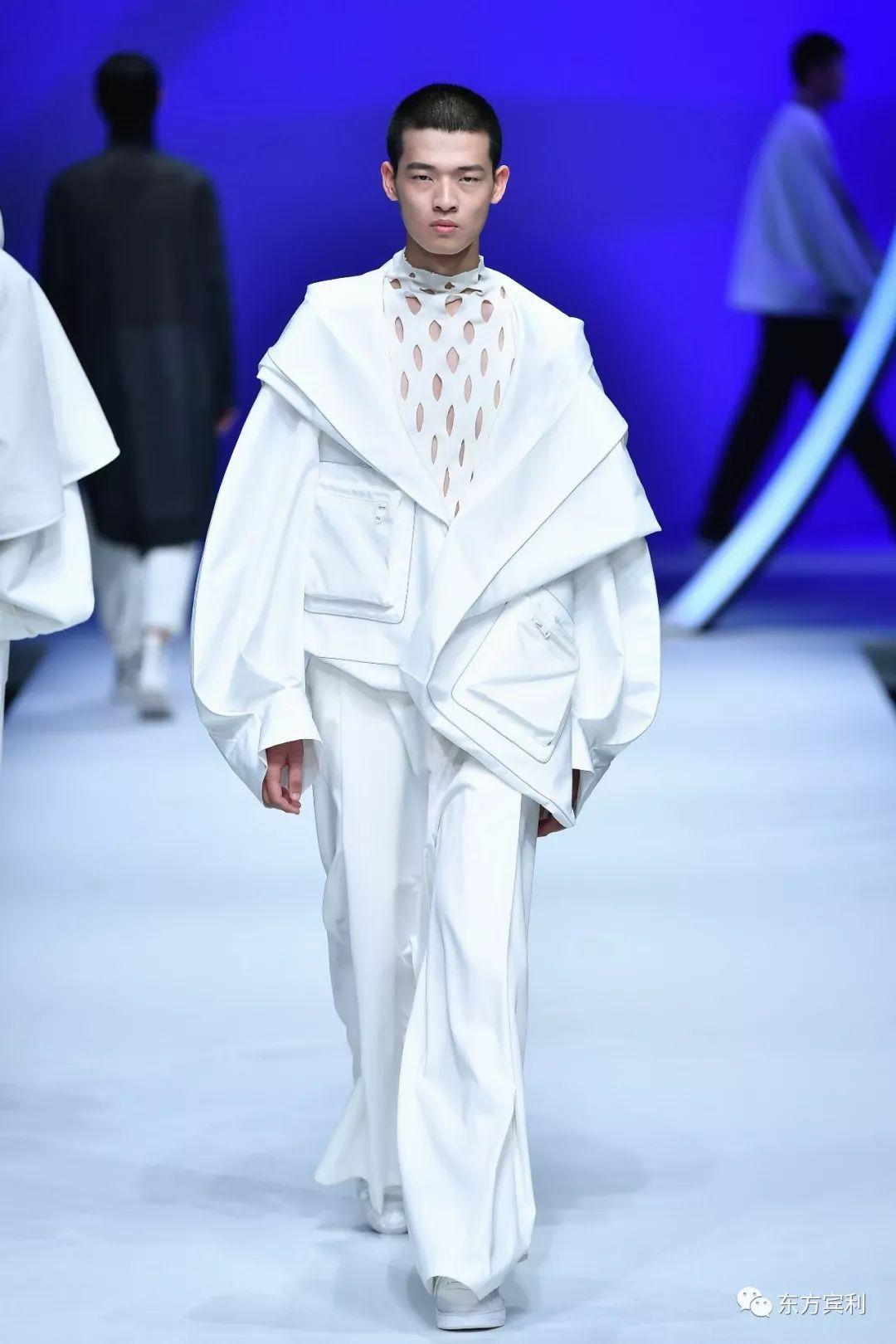 2019国产动o+排行榜_2019SS中国国际时装周|空与白《S·O·N&middot