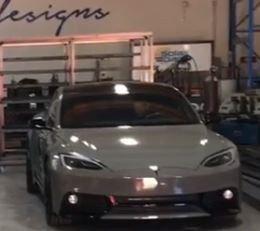 特斯拉Model S改装车身套件酷似战斗机_东京1.5分彩计划app