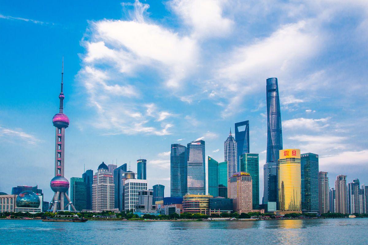 深圳GDP什么时候超过上海_刚刚,广州率团来深圳考察 上半年广深GDP双双破万亿
