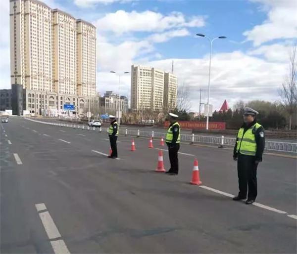 """兴和大队开展全市""""千名交警集中整治交通秩序""""集中统一行动"""