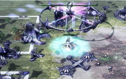 《命令与征服3》制作组的人员,某战役的神族净化者就是思金人母舰的