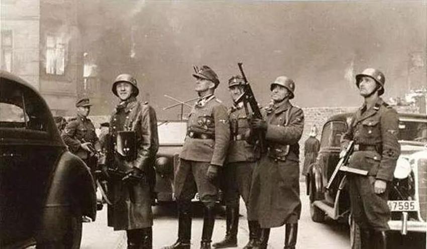 二战期间,德国纳粹怎么知道哪个是犹太人?要是抓错了怎么办