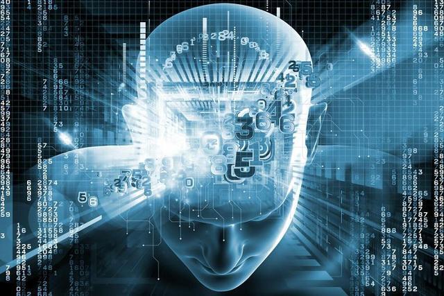 【HelloCode】对人工智能的三大误解:无需担忧、永不出错和达不到人