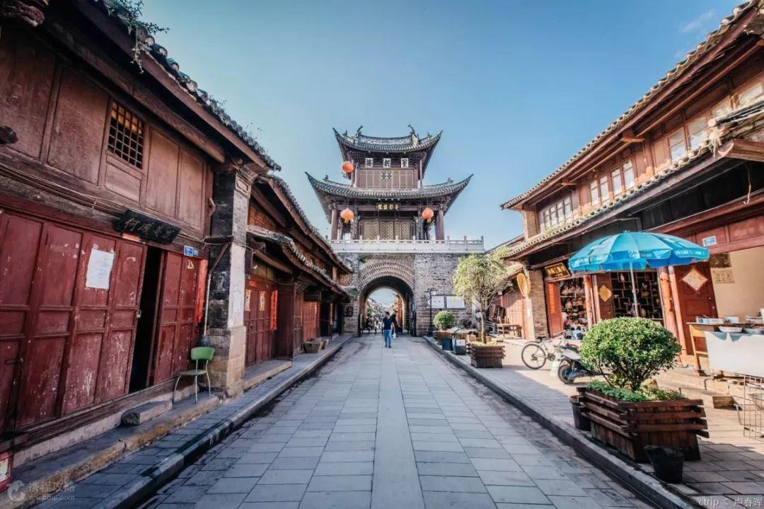云南旅游最佳路线推荐,腾冲银杏村/无量山樱花谷