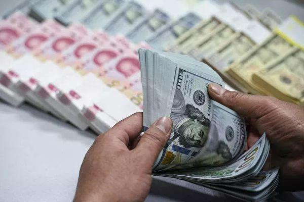 范志勇:不应过度渲染和解读人民币汇率是否破7