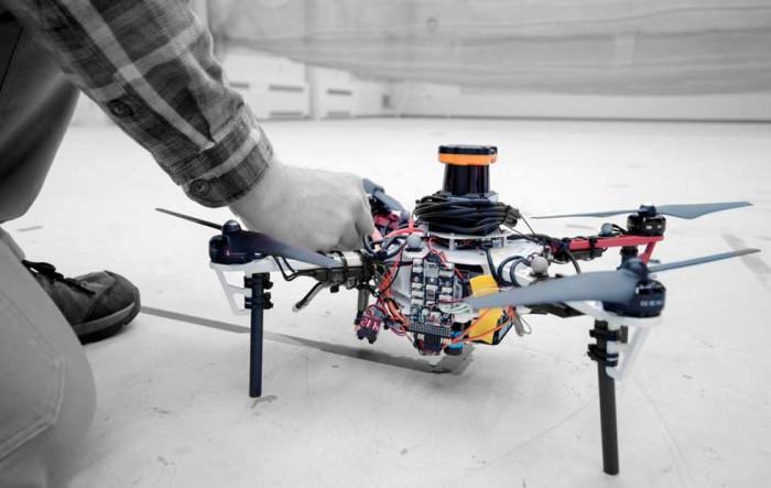 麻省理工研发自主无人机舰队 可以在没有GPS信号的茂密森林中展开救援