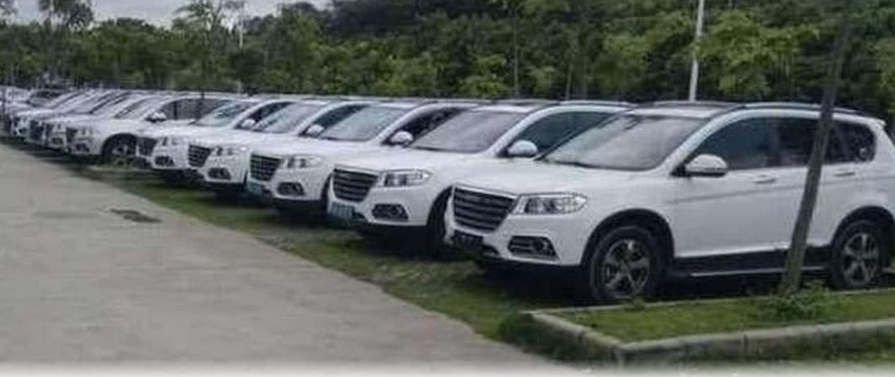 走到了长城厂区内看到很多员工开长城汽车据说是有内部价?_赛车p