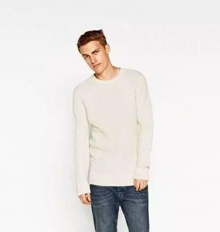 时尚 正文  男士毛衣针织衫配牛仔裤绝对是标配啦!
