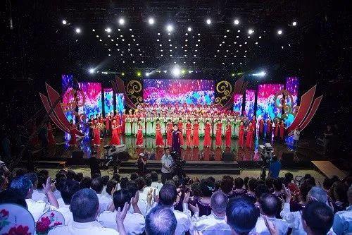全场大合唱《共筑中国梦》