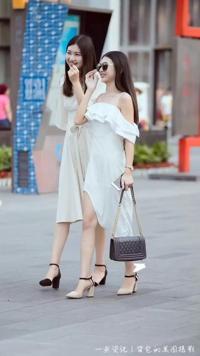 白色裙子怎么搭配_白t恤搭配裙子图片-白卫衣搭配_白上衣配什么颜色裙子_白裙子 ...