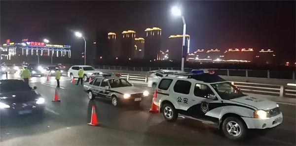 大同交警六大队加大夜间巡查力度 确保群众出行安全