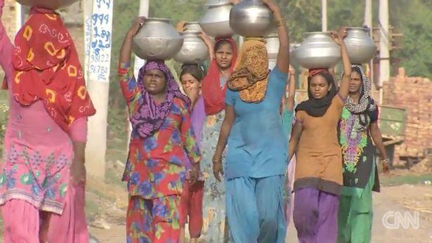 印度13岁女孩因为反抗高种姓男子的猥亵而被斩首