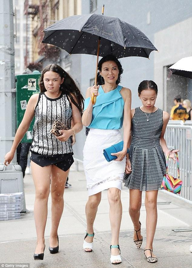 默克多家族危机,49岁邓文迪成最大赢家!2个女儿或分割40亿美元
