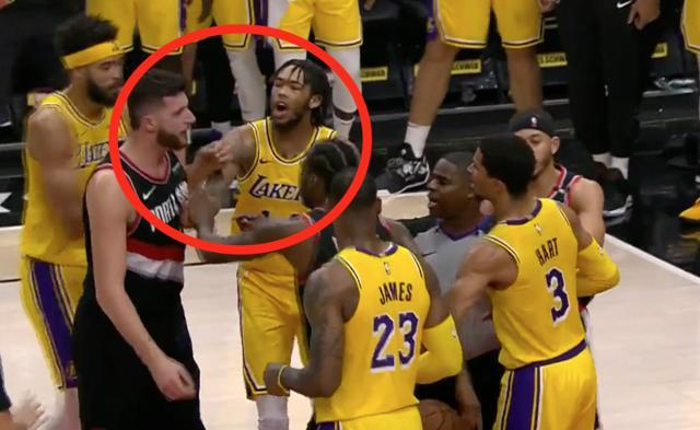 【影片】性格剛烈!湖人拓荒者衝突他在旁邊又躍躍欲試,為隊友出頭他永遠是第一個!-Haters-黑特籃球NBA新聞影音圖片分享社區