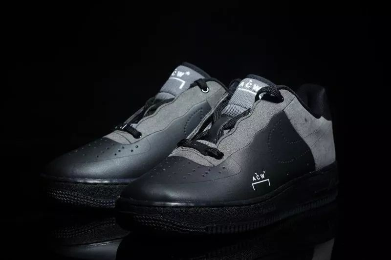 save off e04da 5d6bb ... 同时在侧面、鞋舌和鞋垫上还以A-COLD-WALL 的签名式Logo 点缀。根据传闻,这两双鞋款将于12  月正式发售,也请各位留意HYPEBEAST 的追踪报道!