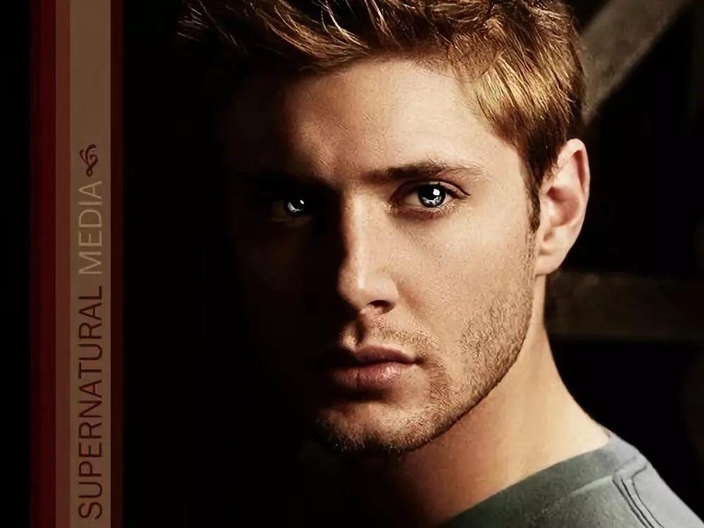 2005年主演电影《恐怖蜡像馆》,被提名青少年选择奖最具突破男演员.