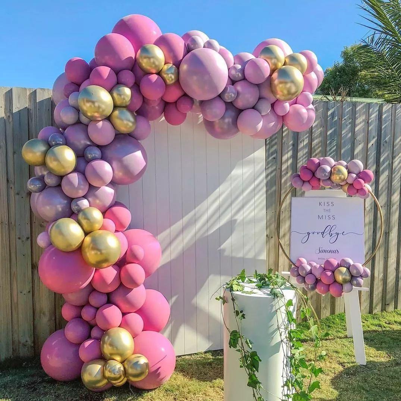 室外异型气球迎宾合影区图片