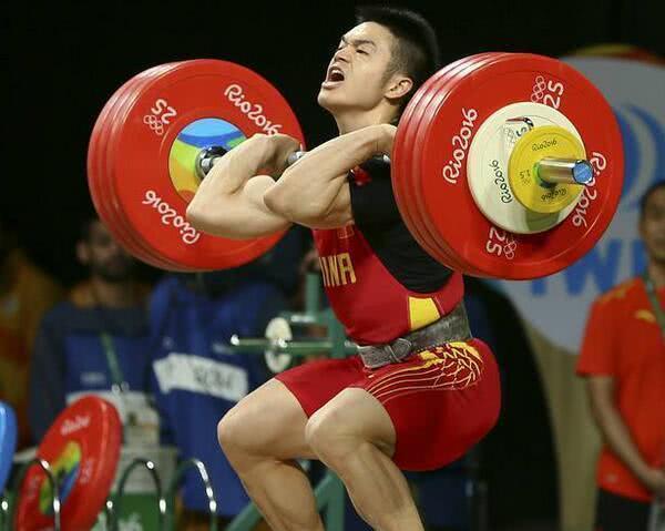 石智勇包揽举重以73公斤赢得三枚金牌