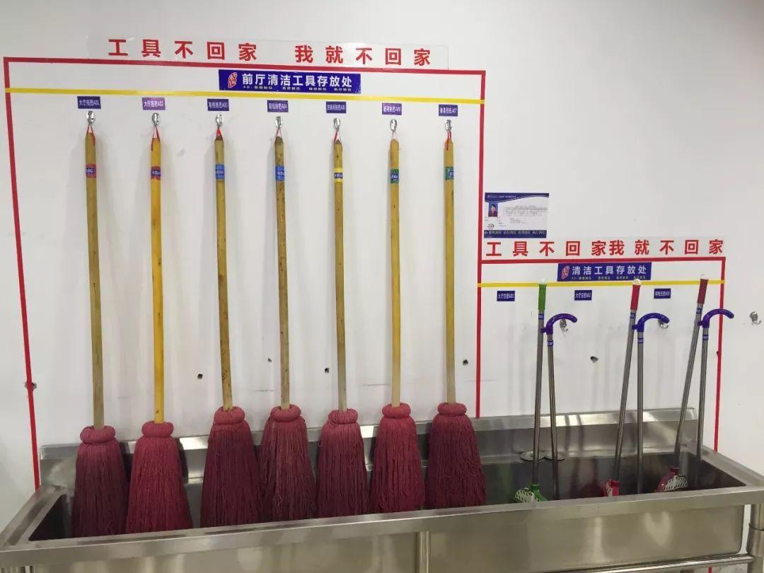 学校,工厂,机关食堂4d厨房实拍图片图片