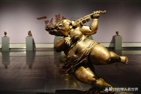 骚妇操逼视频肥女性爱影视av_艺术家创作的肥女雕塑作品 如果放在唐朝 一定引无数诗人赋诗赞颂