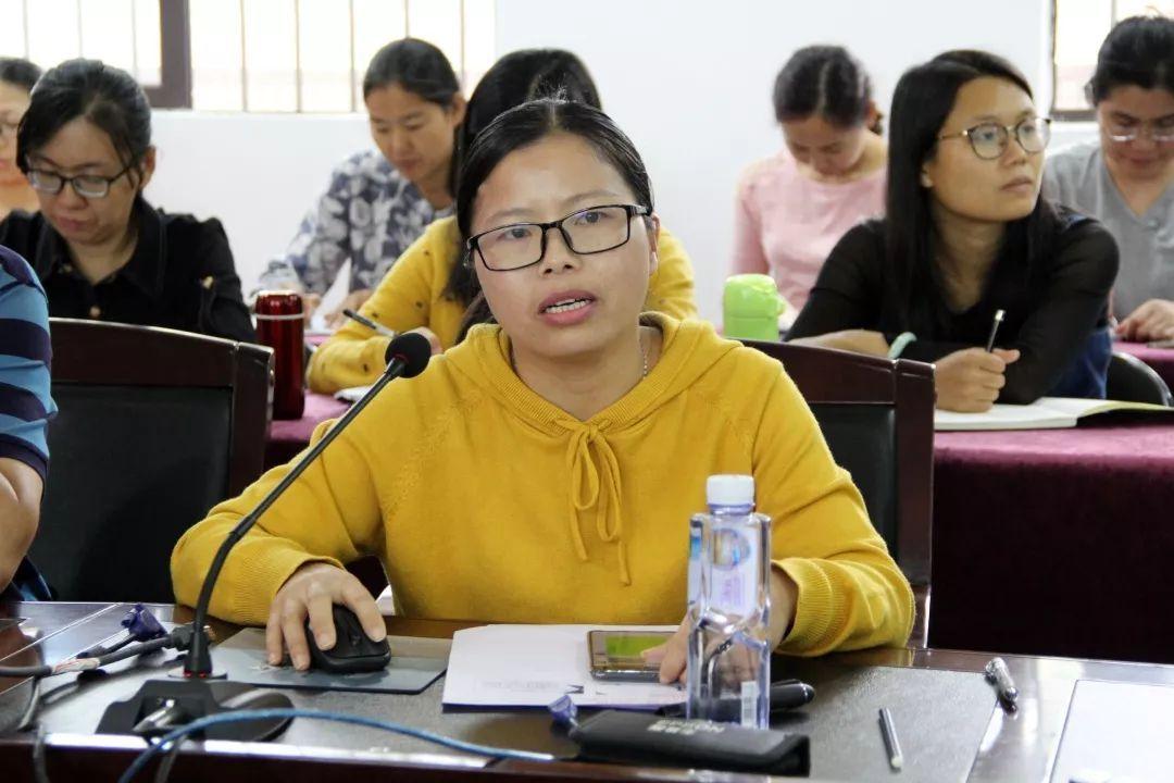 区教育科研种子骨干教师培训活动在中钧中学举行