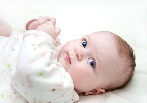 6個月的寶寶發育成這樣才合理,看看寶寶的發育狀態理想嗎