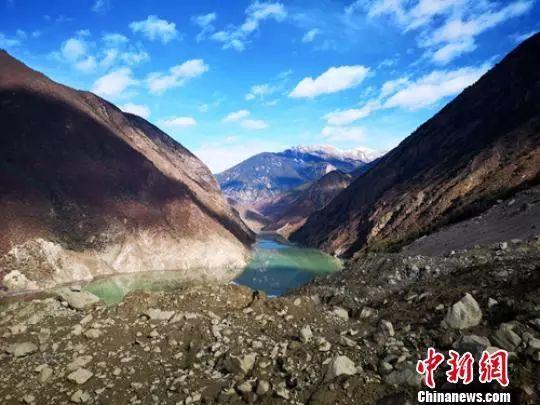 今日新闻综述丨金沙江白格堰塞湖原址再次垮塌 或影响