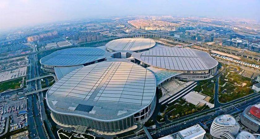 """""""中国国际进口博览会""""与贸易战下的中国大战略"""
