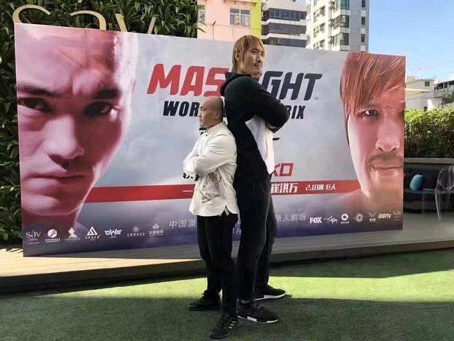 武僧一龙面临职业生涯最严峻挑战,KO崔洪万成格斗史第一人