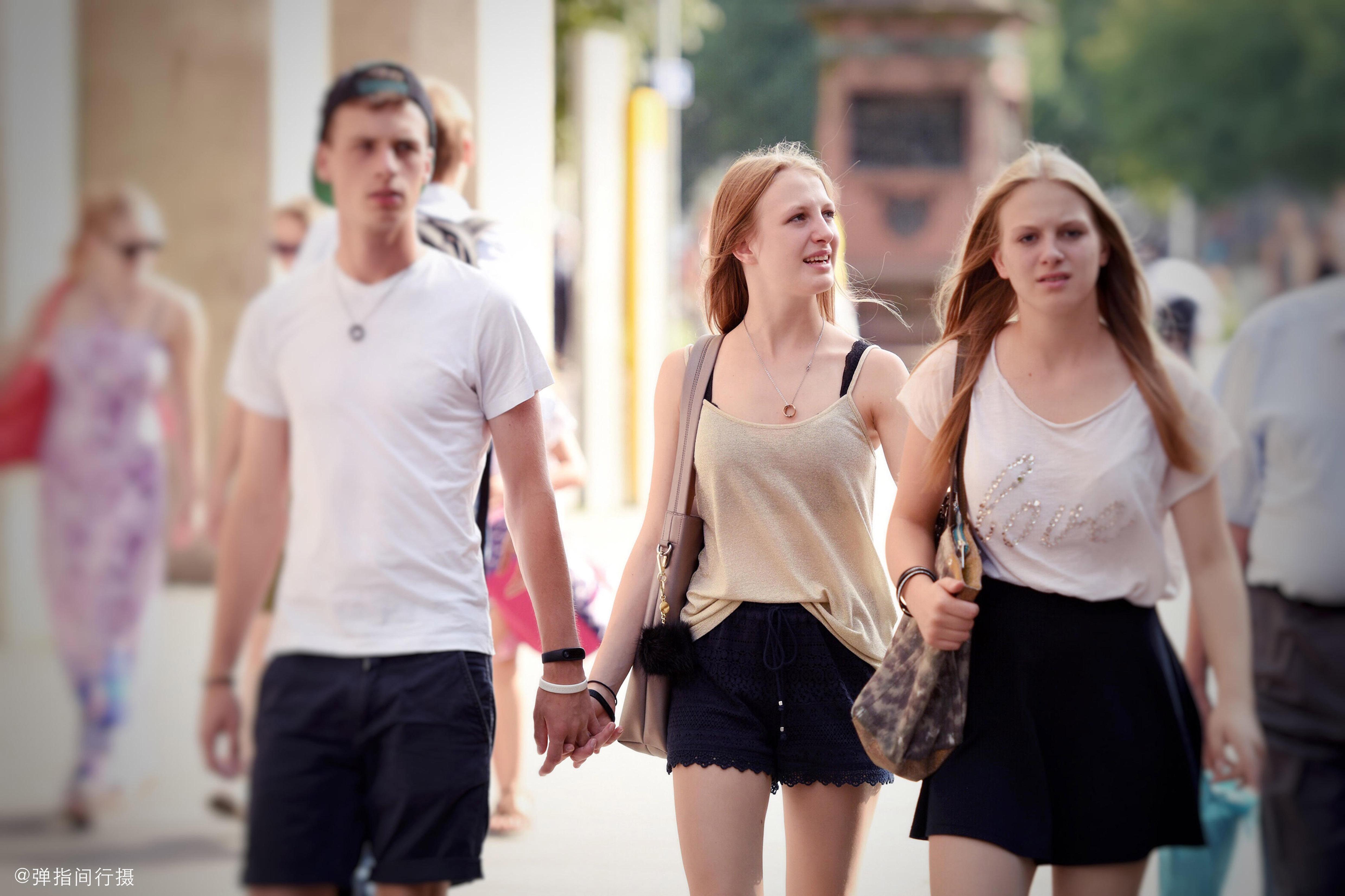 """这个开放小国号称""""欧洲曼谷"""",国民女多男少,女孩找男朋友超难"""
