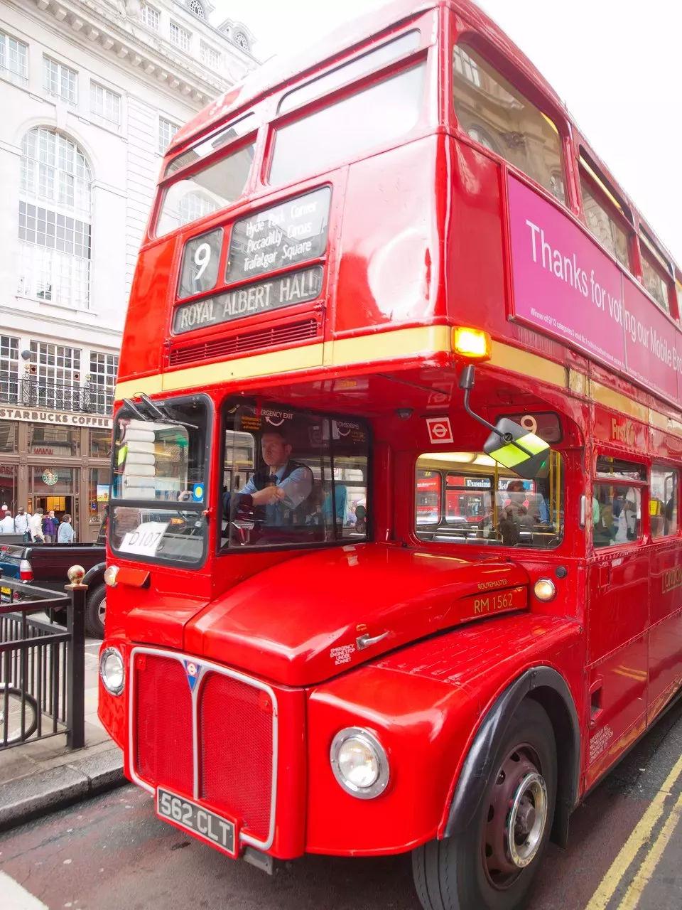 英国公交车司机受到高度保护,而这些大巴都写着中国制造
